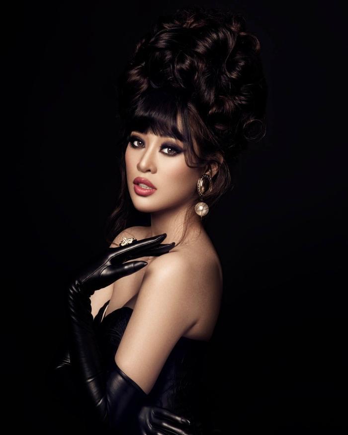 So nhan sắc, trình độ catwalk của Khánh Vân và Tân Hoa hậu Hoàn vũ Thái Lan: Ai hơn ai? Ảnh 9