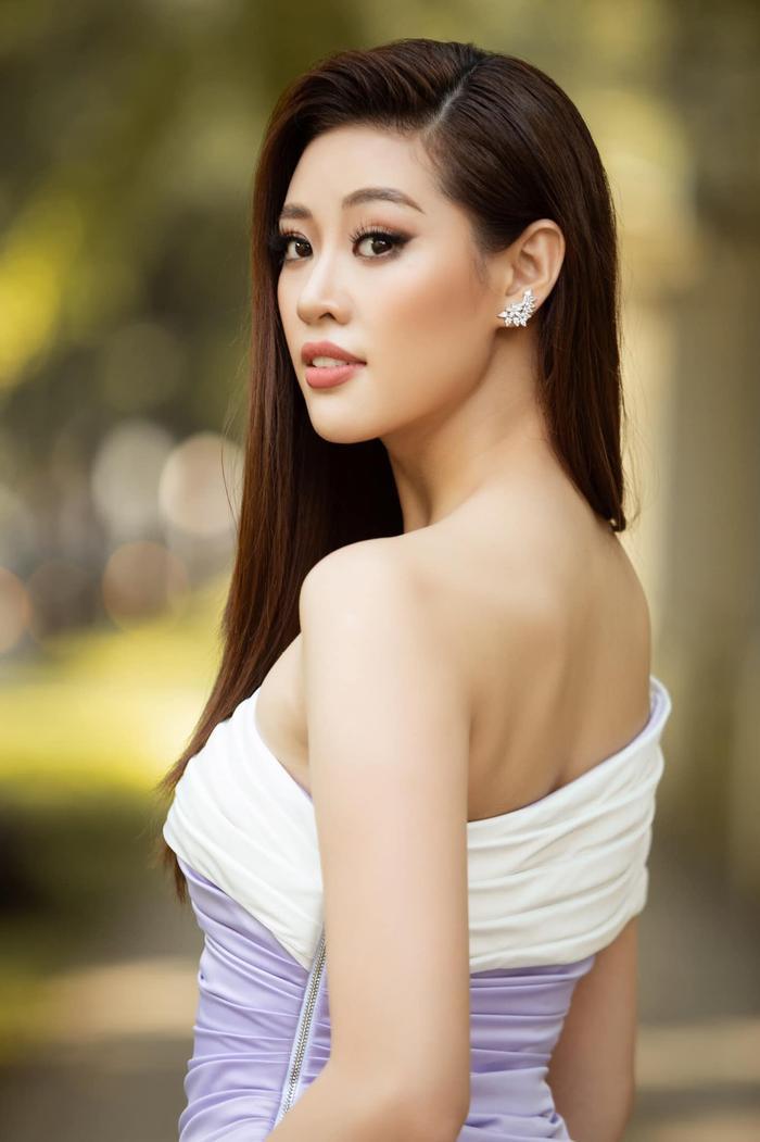 So nhan sắc, trình độ catwalk của Khánh Vân và Tân Hoa hậu Hoàn vũ Thái Lan: Ai hơn ai? Ảnh 34