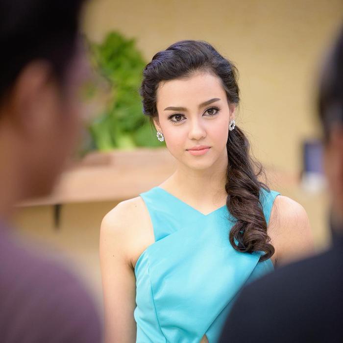 So nhan sắc, trình độ catwalk của Khánh Vân và Tân Hoa hậu Hoàn vũ Thái Lan: Ai hơn ai? Ảnh 32
