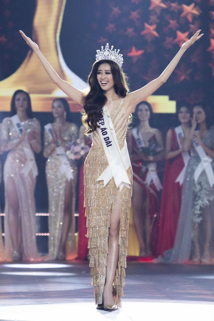 So nhan sắc, trình độ catwalk của Khánh Vân và Tân Hoa hậu Hoàn vũ Thái Lan: Ai hơn ai? Ảnh 4