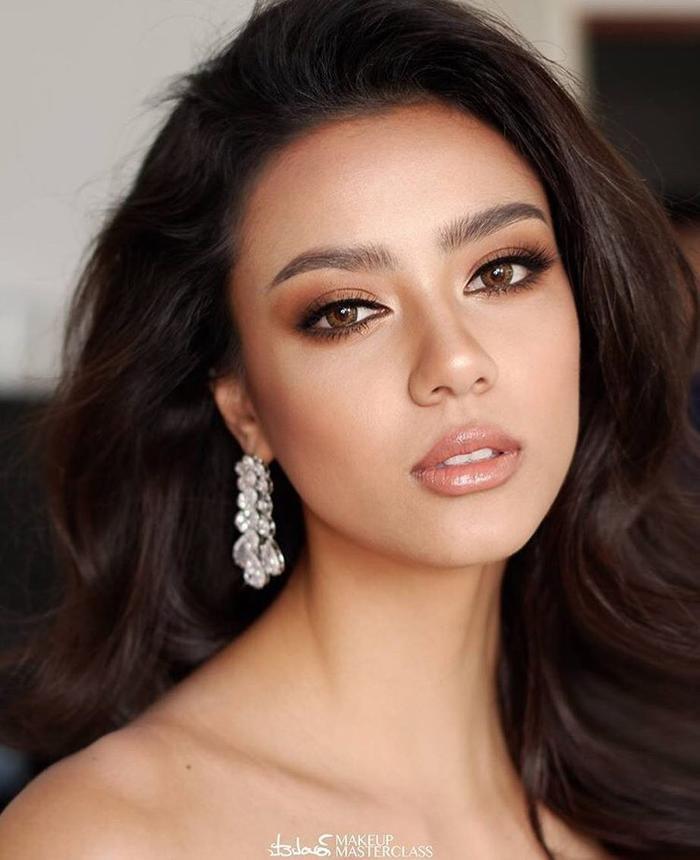 So nhan sắc, trình độ catwalk của Khánh Vân và Tân Hoa hậu Hoàn vũ Thái Lan: Ai hơn ai? Ảnh 12