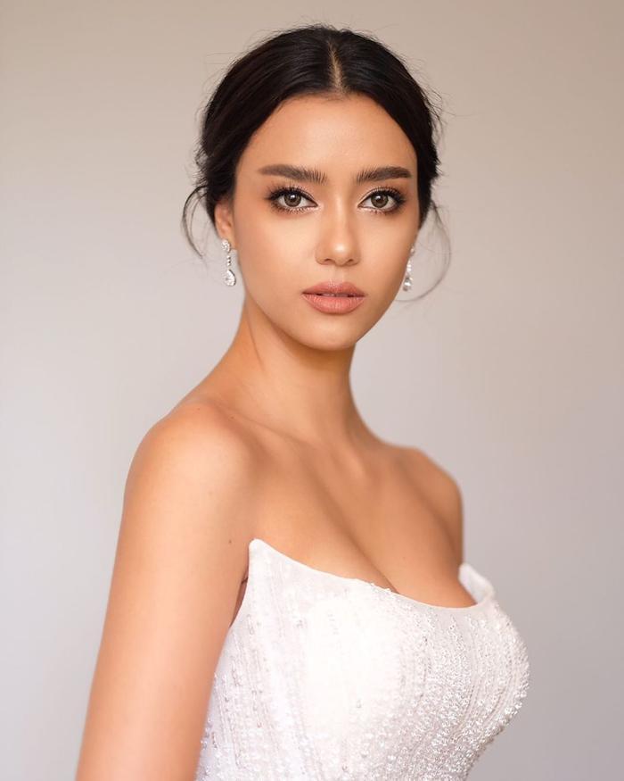 So nhan sắc, trình độ catwalk của Khánh Vân và Tân Hoa hậu Hoàn vũ Thái Lan: Ai hơn ai? Ảnh 22