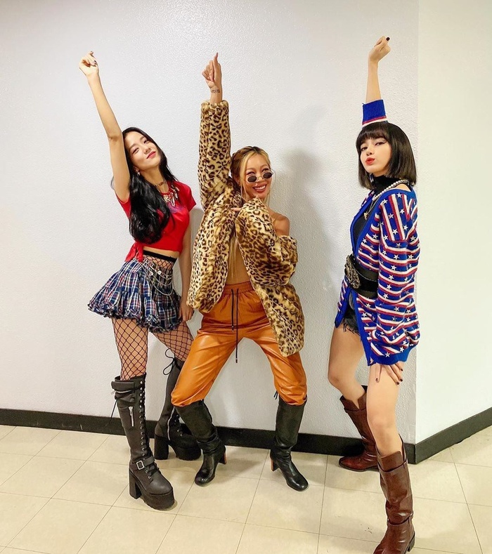 Lovesick Girls chính thức giành cúp chỉ sau 1 ngày quảng bá, BLACKPINK lại gây sốt với tạo hình mới Ảnh 3