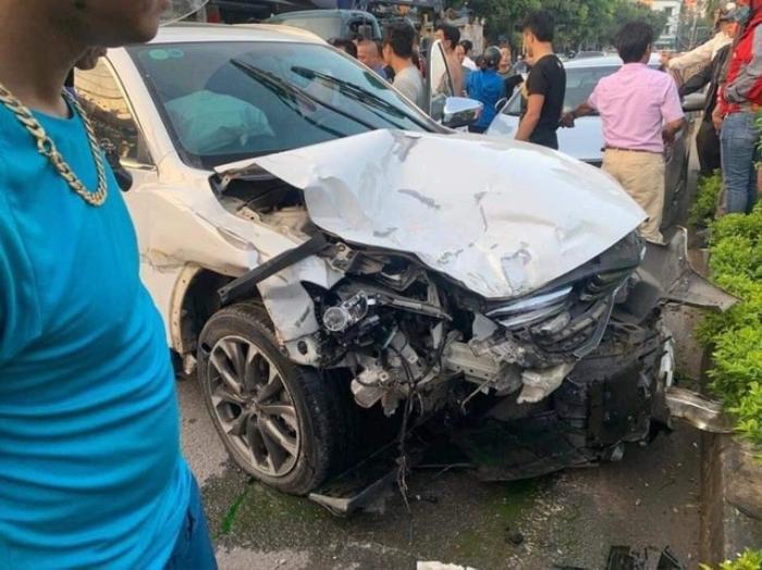 Tạm giữ hình sự tài xế 18 tuổi lái xe Mazda say rượu, đâm tử vong người đi bộ, điên cuồng tông nhiều phương tiện Ảnh 1