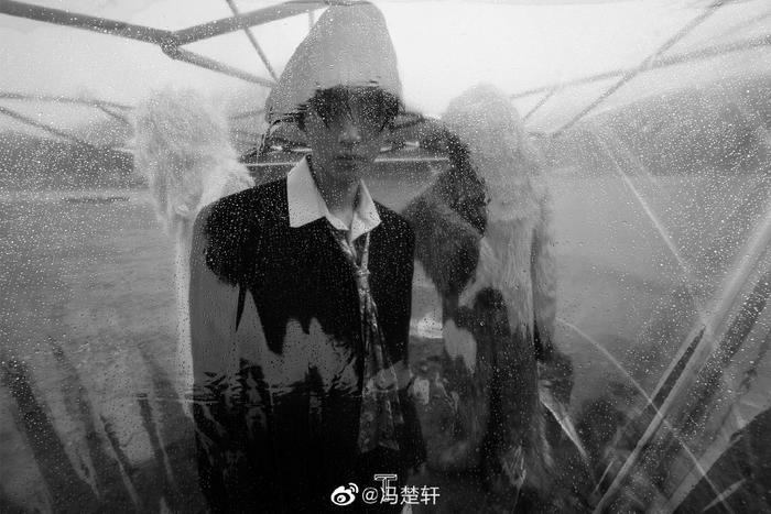 Vương Tuấn Khải với lần chụp ảnh khó quên trong đời