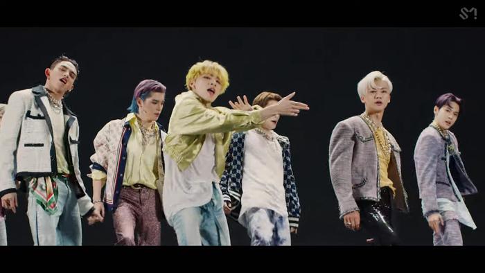 NCT U 'thả xích' MV Make A Wish: Visual bùng nổ gây mê man, đeo vàng khắp mình không hề thua kém... cô Minh Hiếu Ảnh 12