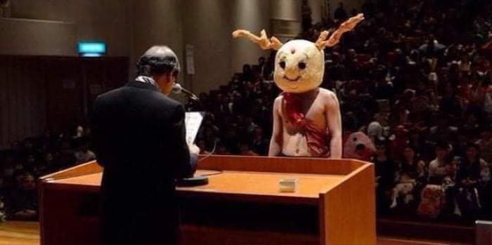 Độc đáo buổi nhận bằng tốt nghiệp của sinh viên Nhật Bản, thỏa sức sáng tạo trang phục thay vì mặc áo cử nhân truyền thống Ảnh 8