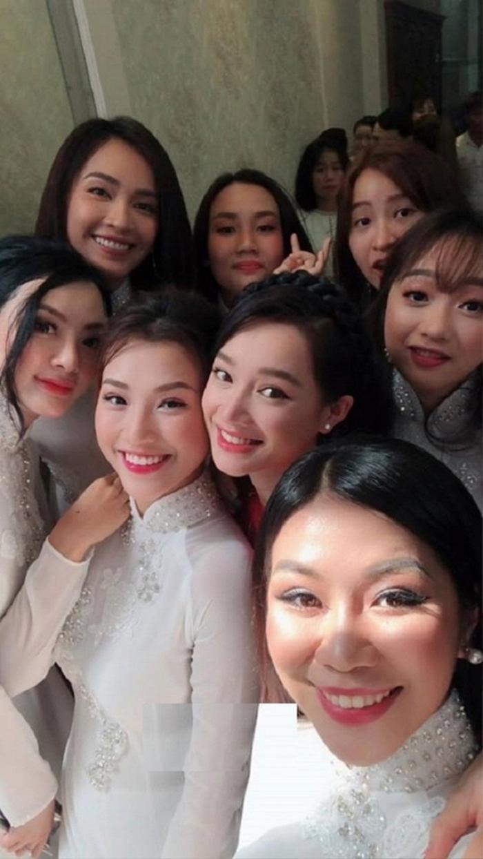 Khi các nàng hậu Việt làm phù dâu, cô dâu xinh đến mấy cũng thấp thỏm vì sợ bị chiếm sóng Ảnh 1
