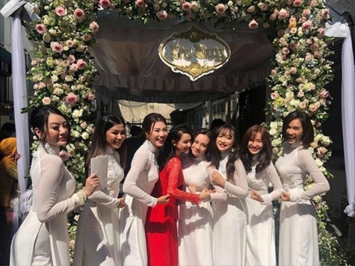 Khi các nàng hậu Việt làm phù dâu, cô dâu xinh đến mấy cũng thấp thỏm vì sợ bị chiếm sóng Ảnh 2