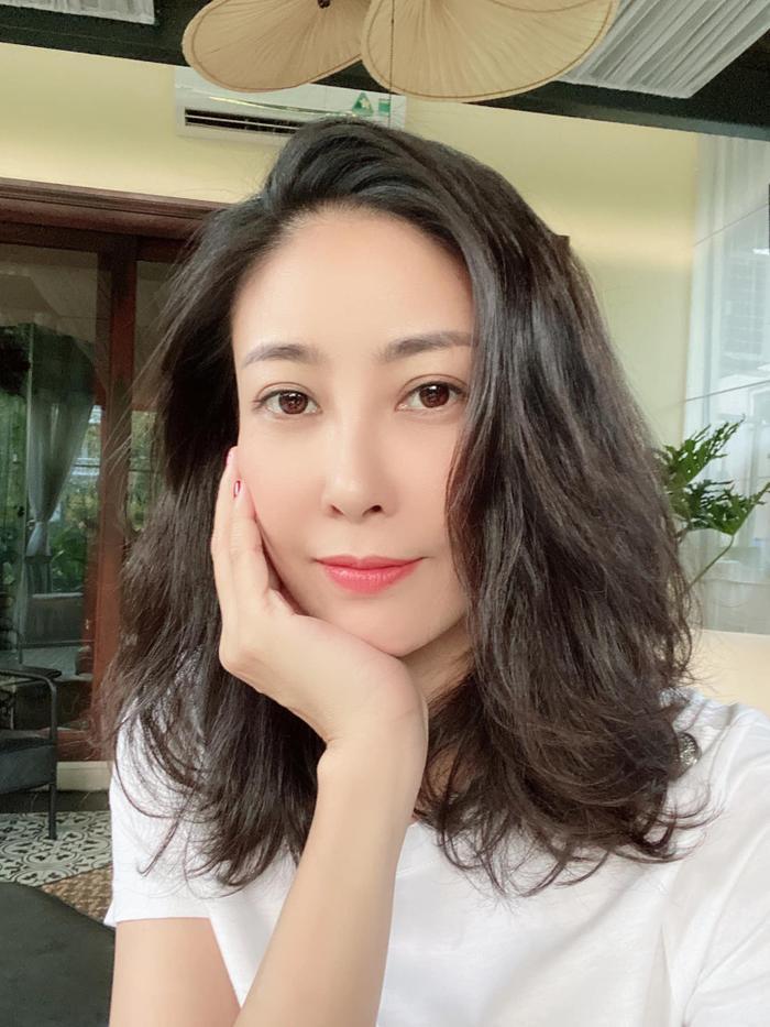3 sao Việt đông con nhất Vbiz đi ngược quy luật tạo hóa: Cứ càng đẻ càng trẻ, càng đẹp! Ảnh 11