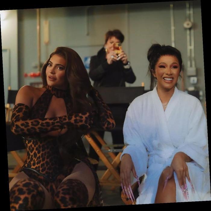 Kylie Jenner chơi lớn tặng cho rapper thị phi Cardi B quả túi 'đắt xắt ra miếng' hơn 500 triệu đồng Ảnh 2