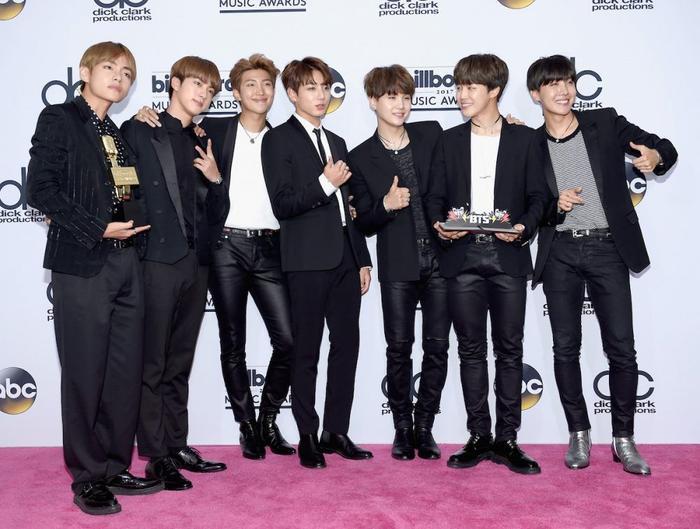 BTS tiếp tục công phá Billboard Music Awards 2020: 4 năm liên tiếp giành chiến thắng ở cùng hạng mục Ảnh 2