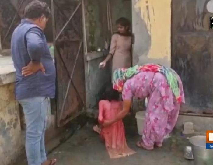 Giải cứu người phụ nữ bị chồng nhốt trong toilet suốt một năm rưỡi Ảnh 2