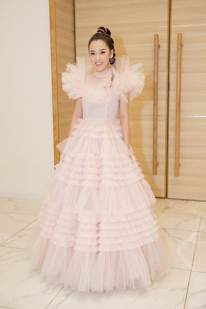 Nam Anh, Nam Em hóa thiên nga trên thảm đỏ, Linh Ka làm công chúa mong manh Ảnh 10