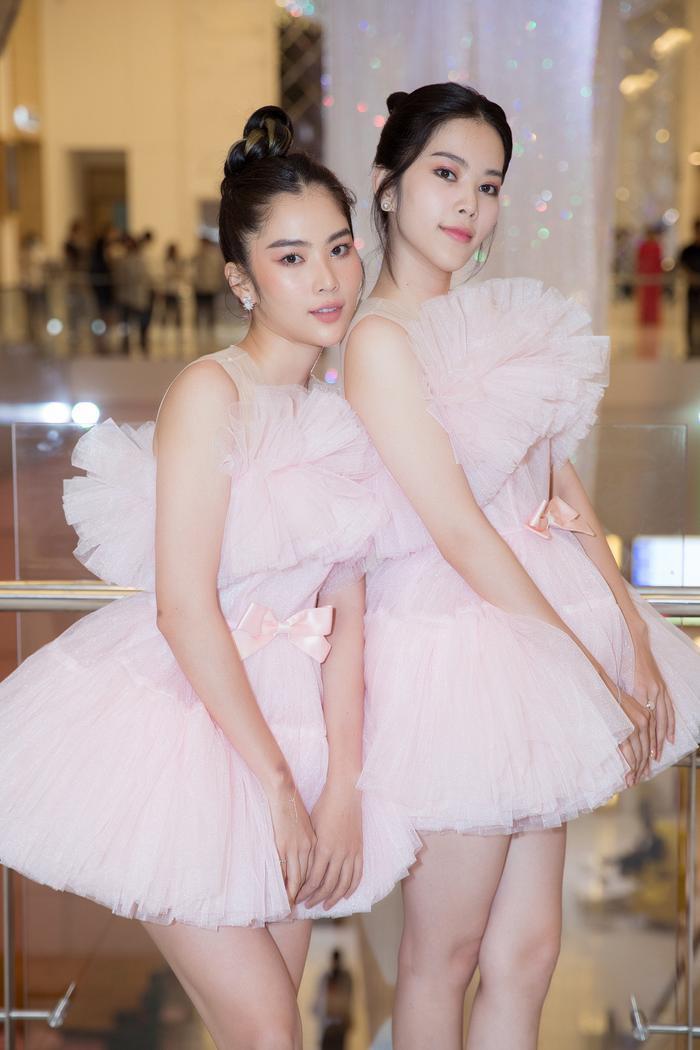Nam Anh, Nam Em hóa thiên nga trên thảm đỏ, Linh Ka làm công chúa mong manh Ảnh 2