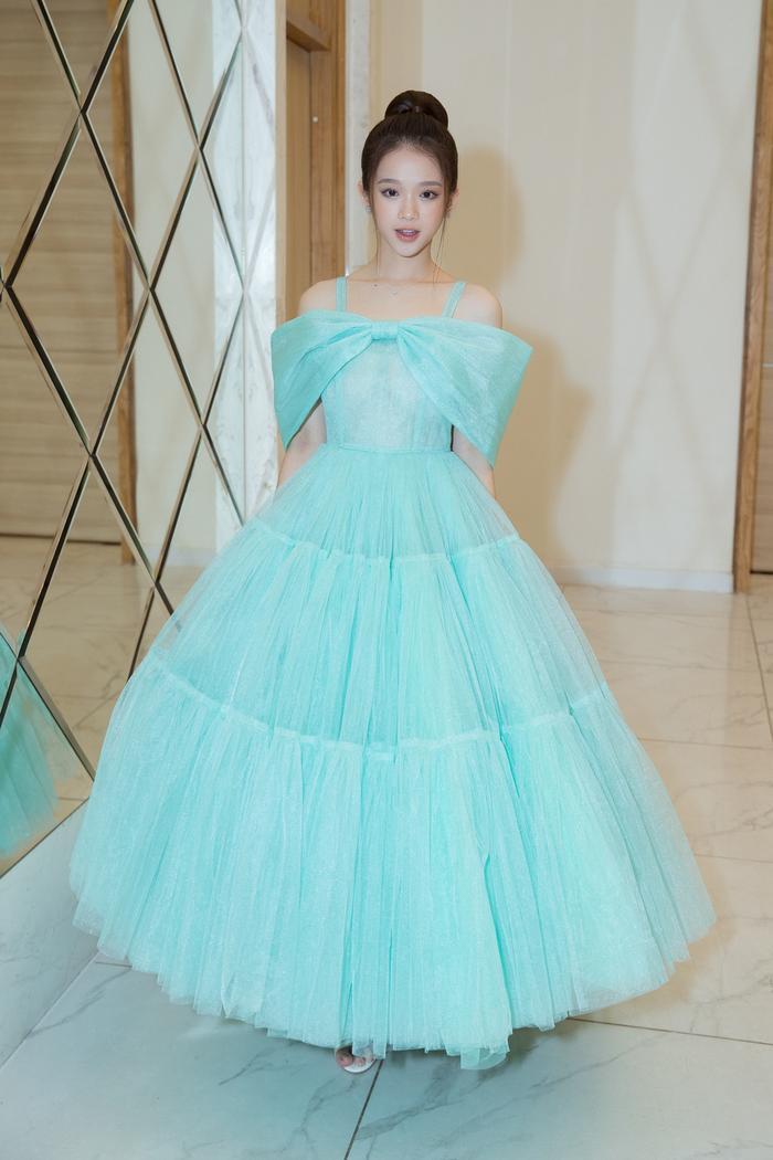 Nam Anh, Nam Em hóa thiên nga trên thảm đỏ, Linh Ka làm công chúa mong manh Ảnh 3