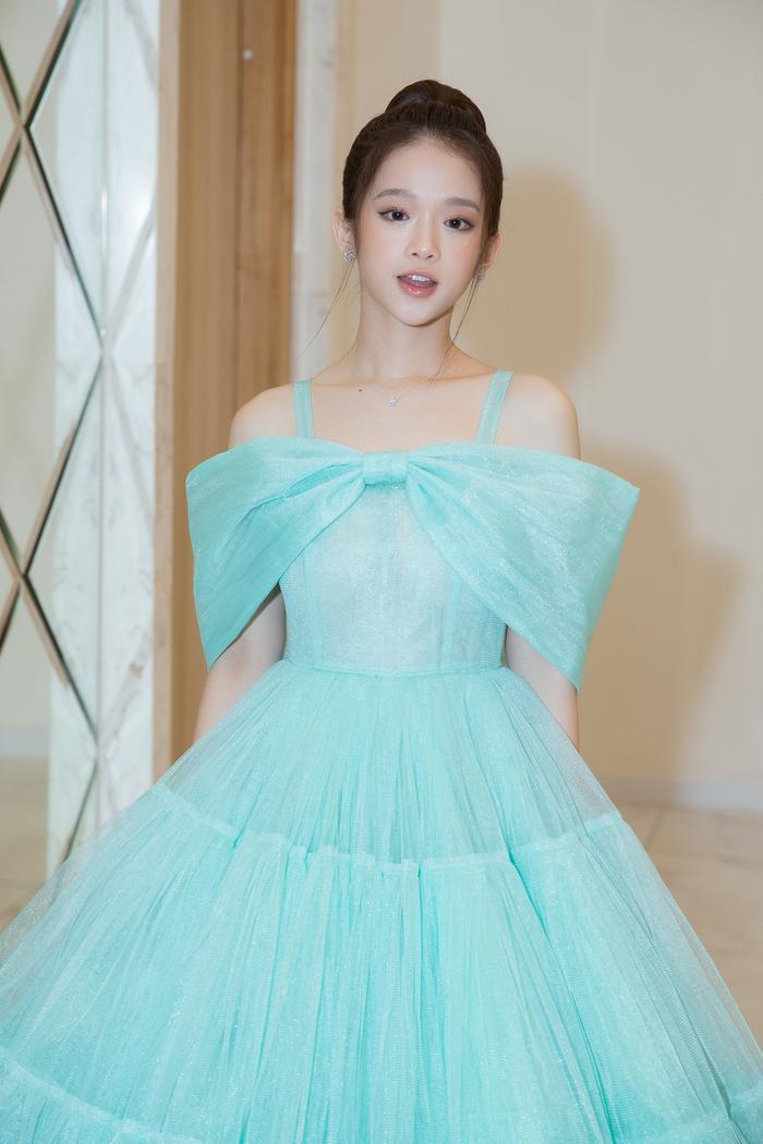 Nam Anh, Nam Em hóa thiên nga trên thảm đỏ, Linh Ka làm công chúa mong manh Ảnh 4