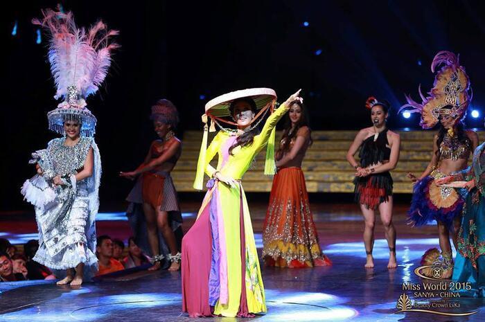 Hoa hậu Việt đồng loạt chọn áo dài để thi Tài năng, duy Nam Em 'đại thắng' với ý tưởng thú vị Ảnh 3