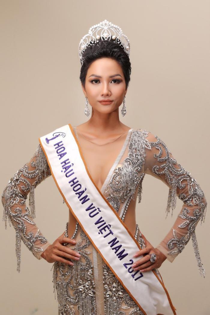 H'Hen Niê - Lương Thùy Linh - Tiểu Vy: Hoa hậu nào sở hữu vương miện đắt giá nhất Việt Nam? Ảnh 16