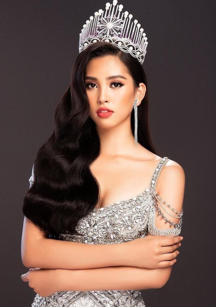 H'Hen Niê - Lương Thùy Linh - Tiểu Vy: Hoa hậu nào sở hữu vương miện đắt giá nhất Việt Nam? Ảnh 12