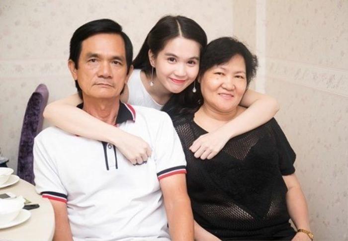 Ngọc Trinh túc trực liên tục 2 ngày trong bệnh viện để chăm sóc ba ruột Ảnh 9