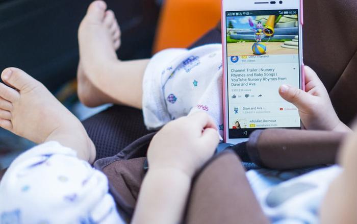 Bé gái 5 tuổi tử vong do học theo video treo cổ và loạt trào lưu độc hại nhắm đến người dùng trên Internet Ảnh 18