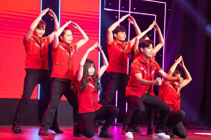 Quang Đăng diễn 'Bigcityboi' bên cạnh dàn line up đình đám Ngô Kiến Huy, Bảo Anh, Đức Phúc Ảnh 4