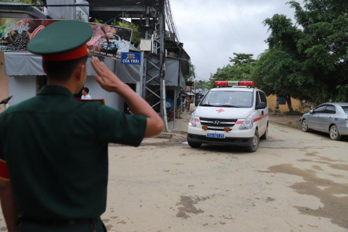 Sáng mai (18/10), tổ chức lễ tang cho 13 liệt sĩ hy sinh trong quá trình cứu hộ cứu nạn tại Rào Trăng 3 Ảnh 1
