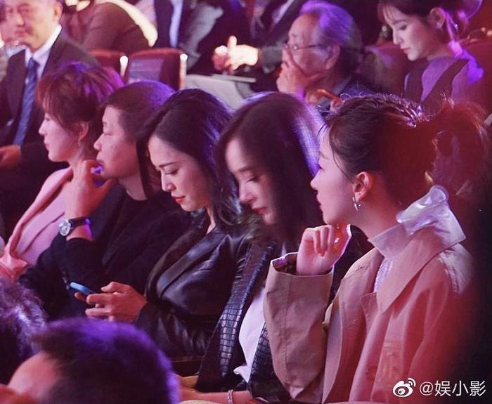 'Điện ảnh Bắc Kinh 2020': Châu Đông Vũ 'làm nền' cho Dương Mịch, Quan Hiểu Đồng đẹp 'thách thức' camera thường Ảnh 11