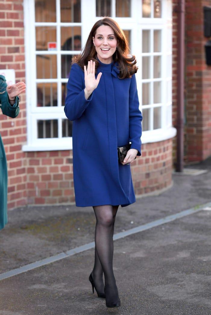 Thời trang áo khoác thanh lịch của công nương Kate Middleton Ảnh 14