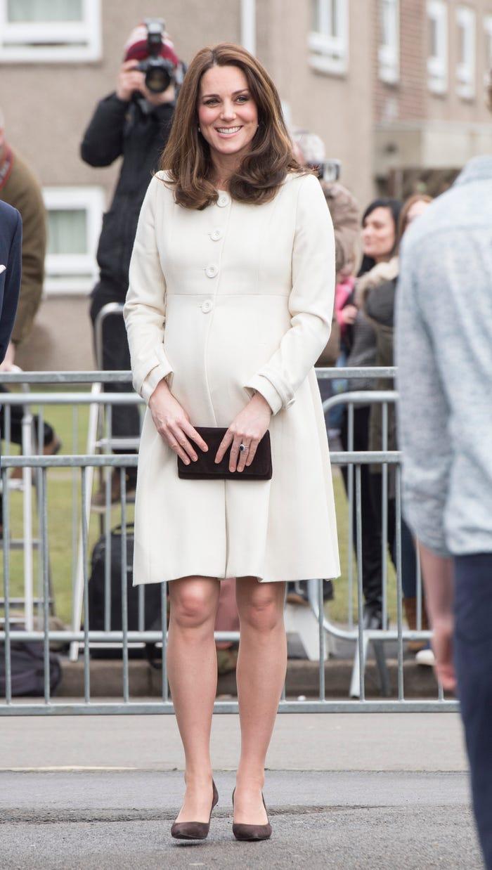 Thời trang áo khoác thanh lịch của công nương Kate Middleton Ảnh 12