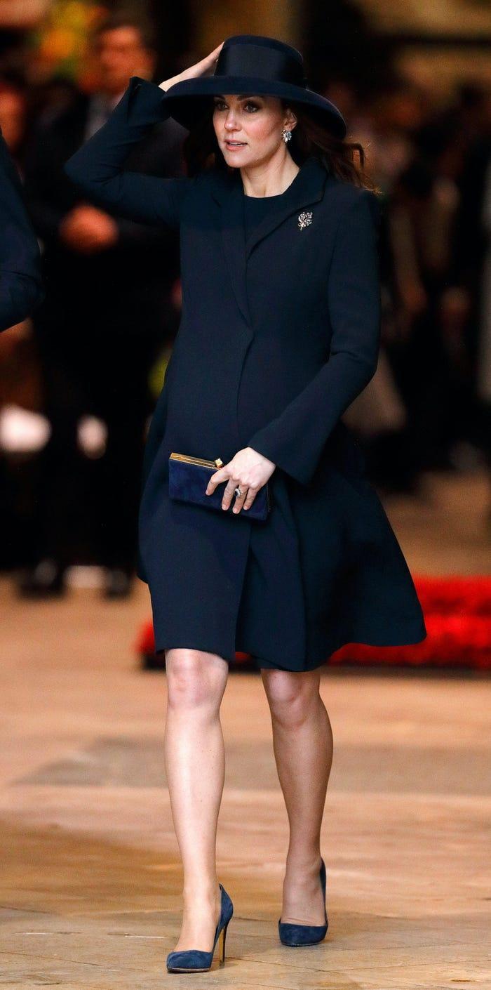 Thời trang áo khoác thanh lịch của công nương Kate Middleton Ảnh 11