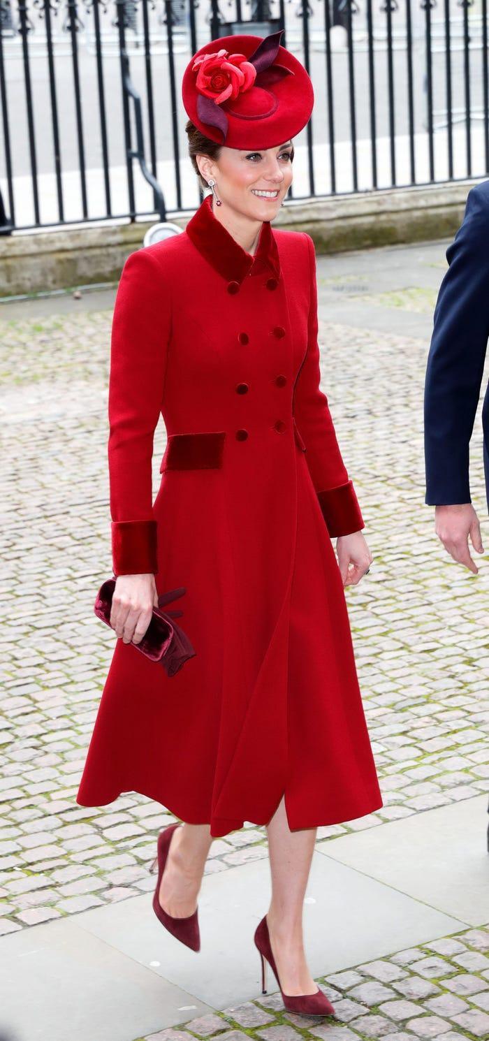 Thời trang áo khoác thanh lịch của công nương Kate Middleton Ảnh 2