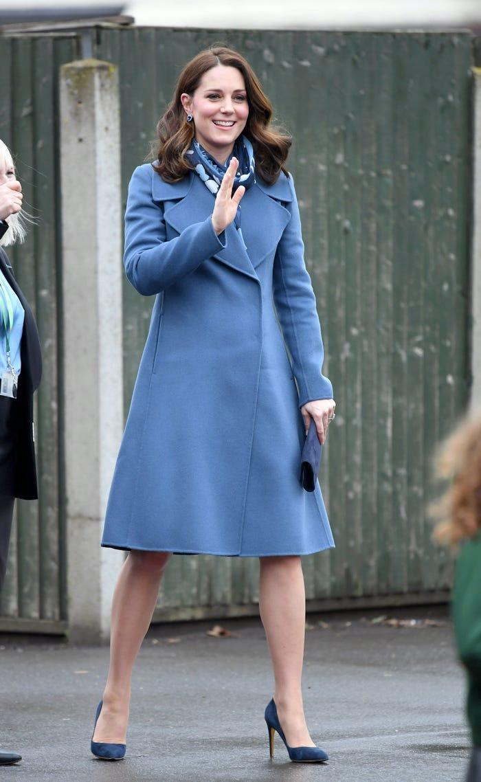 Thời trang áo khoác thanh lịch của công nương Kate Middleton Ảnh 17