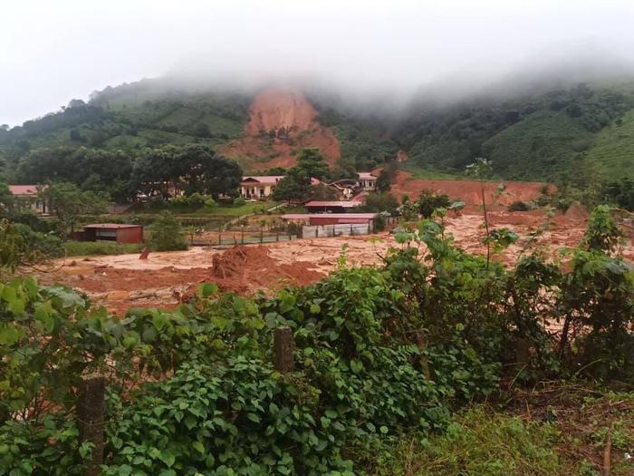 Thêm vụ sạt lở núi ở Quảng Trị, 22 cán bộ chiến sĩ sư đoàn 337 nghi bị vùi lấp Ảnh 1