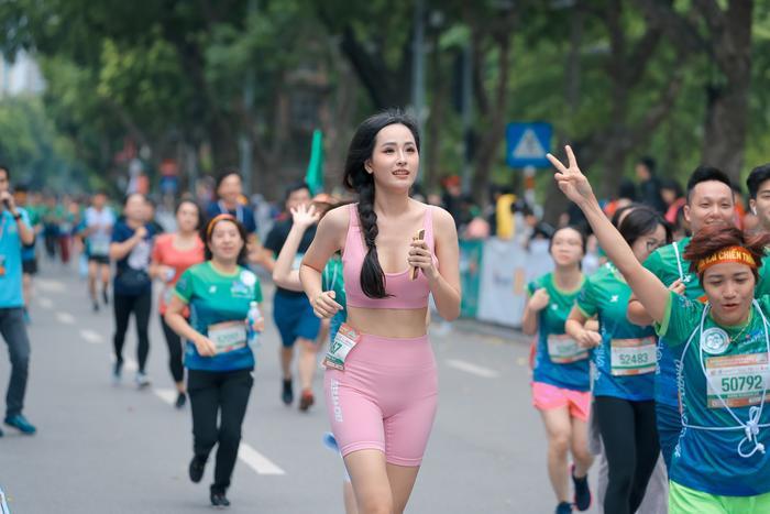 Mai Phương Thuý khoe trọn đường cong quyến rũ tại giải thi chạy bộ Ảnh 5
