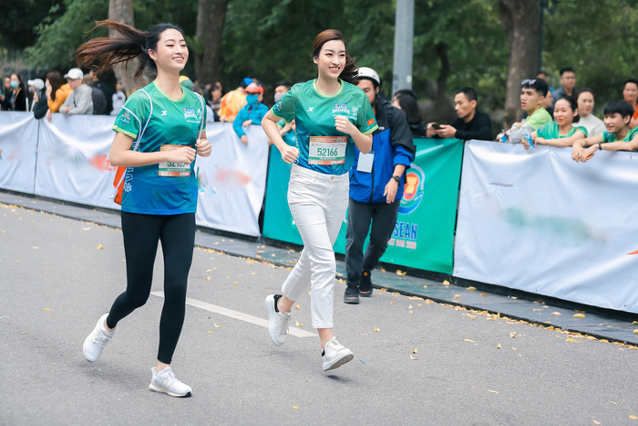 Mai Phương Thuý khoe trọn đường cong quyến rũ tại giải thi chạy bộ Ảnh 9