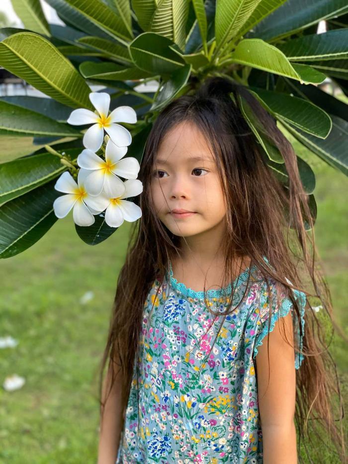 Mới 6 tuổi, con gái Đoan Trang đã sở hữu đôi chân dài tựa siêu mẫu Ảnh 9