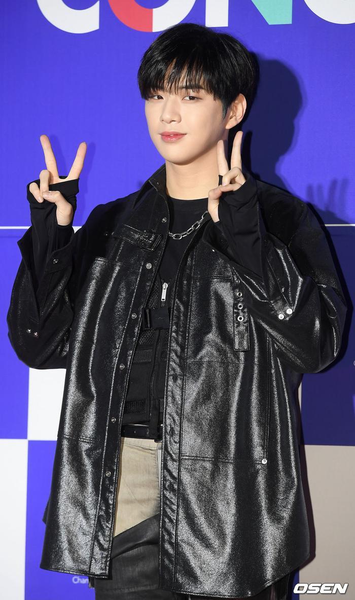 Kang Daniel, Tiffany (SNSD), Red Velvet rủ nhau đi 'trẩy hội' âm nhạc: Dập dìu tài tử giai nhân! Ảnh 37