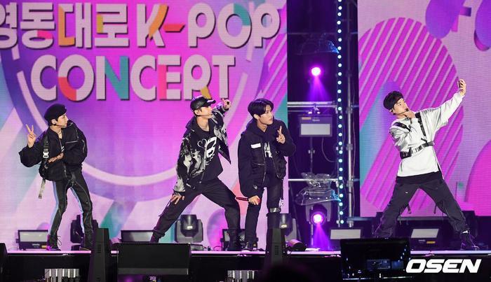 Kang Daniel, Tiffany (SNSD), Red Velvet rủ nhau đi 'trẩy hội' âm nhạc: Dập dìu tài tử giai nhân! Ảnh 57