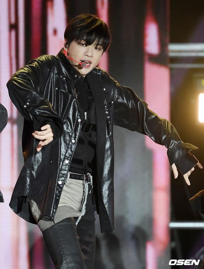 Kang Daniel, Tiffany (SNSD), Red Velvet rủ nhau đi 'trẩy hội' âm nhạc: Dập dìu tài tử giai nhân! Ảnh 33
