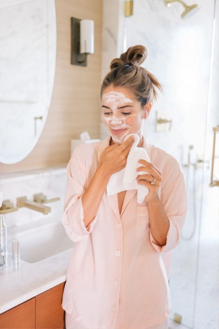 Chuyên gia chăm sóc da của Halle Berry chia sẻ mẹo skincare mùa lạnh Ảnh 2