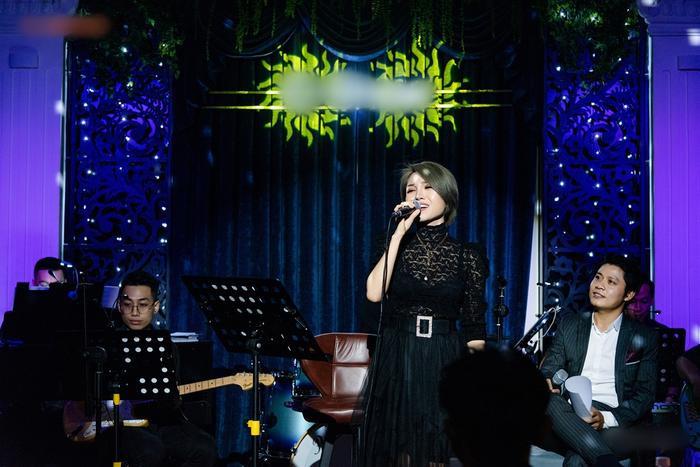 Nguyễn Văn Chung da diết trong đêm minishow, tuyên bố trở lại với dòng nhạc sở trường Ảnh 2