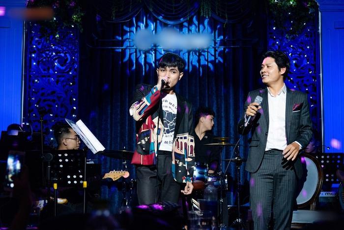 Nguyễn Văn Chung da diết trong đêm minishow, tuyên bố trở lại với dòng nhạc sở trường Ảnh 3