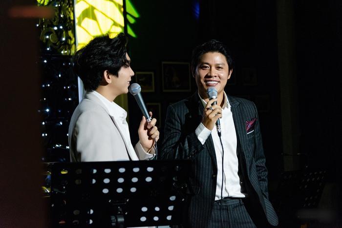 Nguyễn Văn Chung da diết trong đêm minishow, tuyên bố trở lại với dòng nhạc sở trường Ảnh 4