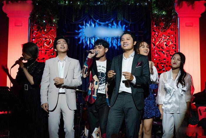 Nguyễn Văn Chung da diết trong đêm minishow, tuyên bố trở lại với dòng nhạc sở trường Ảnh 7