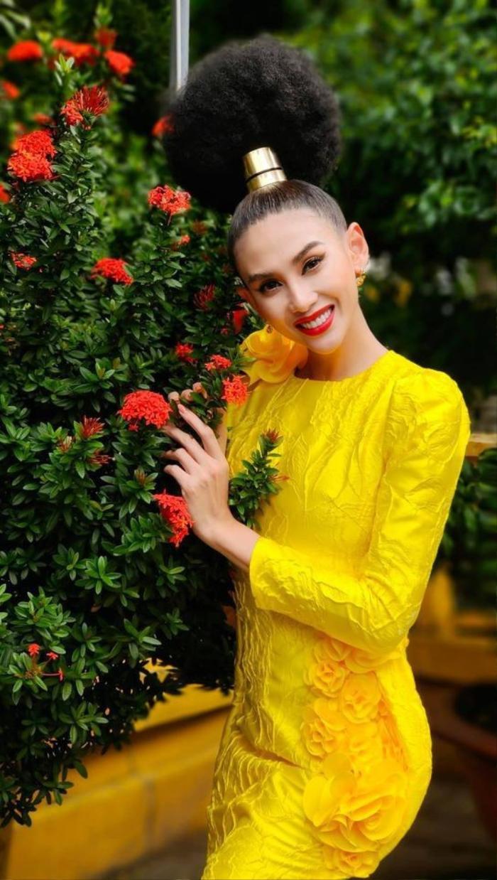Những kiểu tóc bá đạo của sao Việt: Pha 'tấu hài' thú vị nhất thuộc về Lan Khuê Ảnh 11
