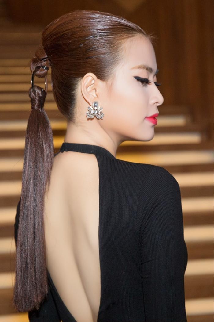 Những kiểu tóc bá đạo của sao Việt: Pha 'tấu hài' thú vị nhất thuộc về Lan Khuê Ảnh 14