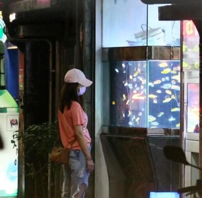Lâm Tâm Như - Hoắc Kiến Hoa cãi nhau ngay trên phố: Nam chính lái xe bỏ đi để lại nữ chính cô đơn? Ảnh 6