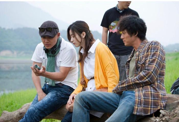 Han Hyo Joo bất ngờ đăng ảnh 'tình tứ' với So Ji Sub trong quá khứ Ảnh 4